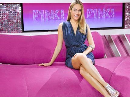 In ihren Sendungen trägt Bianca Schwarzjirg gerne sexy Outfists, im österreichichen Playboy trägt sie nichts.