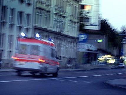 Bei einem Unfall in Hietzing wurde ein Pensionist verletzt