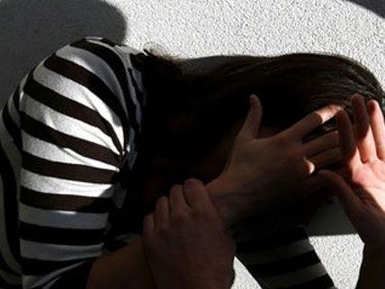 Die 13-Jährige wurde auf ihrem Heimweg in Hietzing von der Mädchenbande überfallen.
