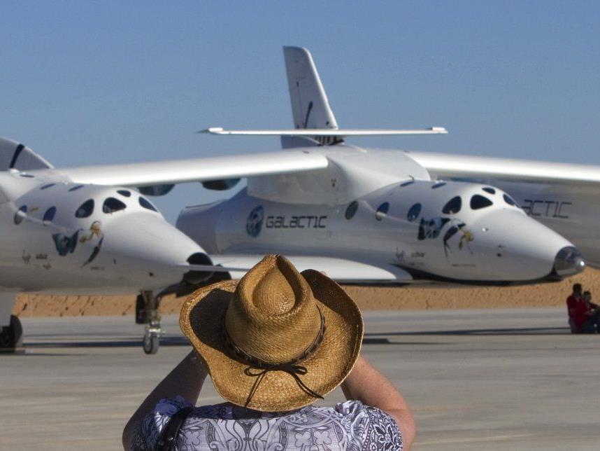 """Das Raumflugzeug """"White Knight Two"""" bietet Platz für sechs Passagiere."""