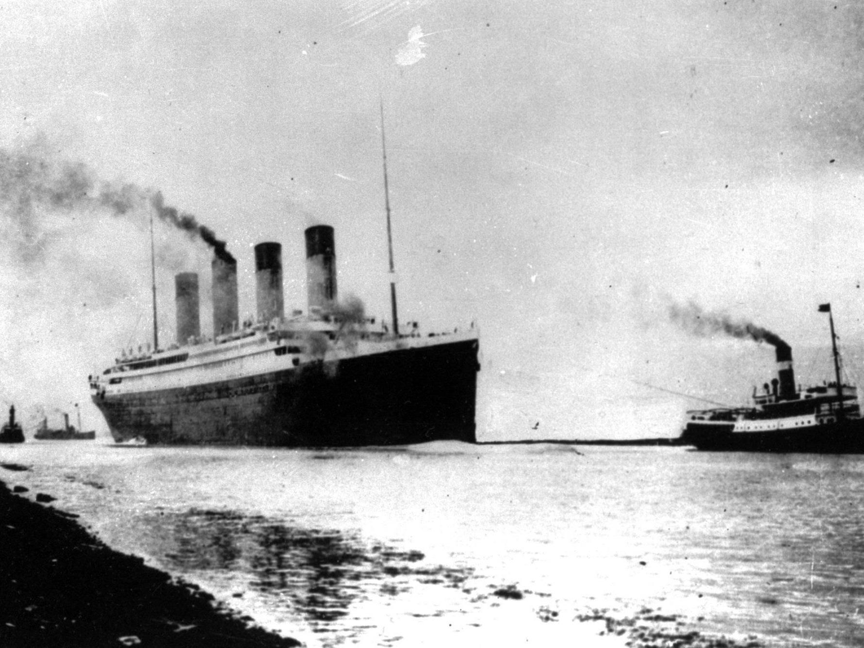 """Die """"Titanic"""" auf der Jungfernfahrt von England nach New York."""