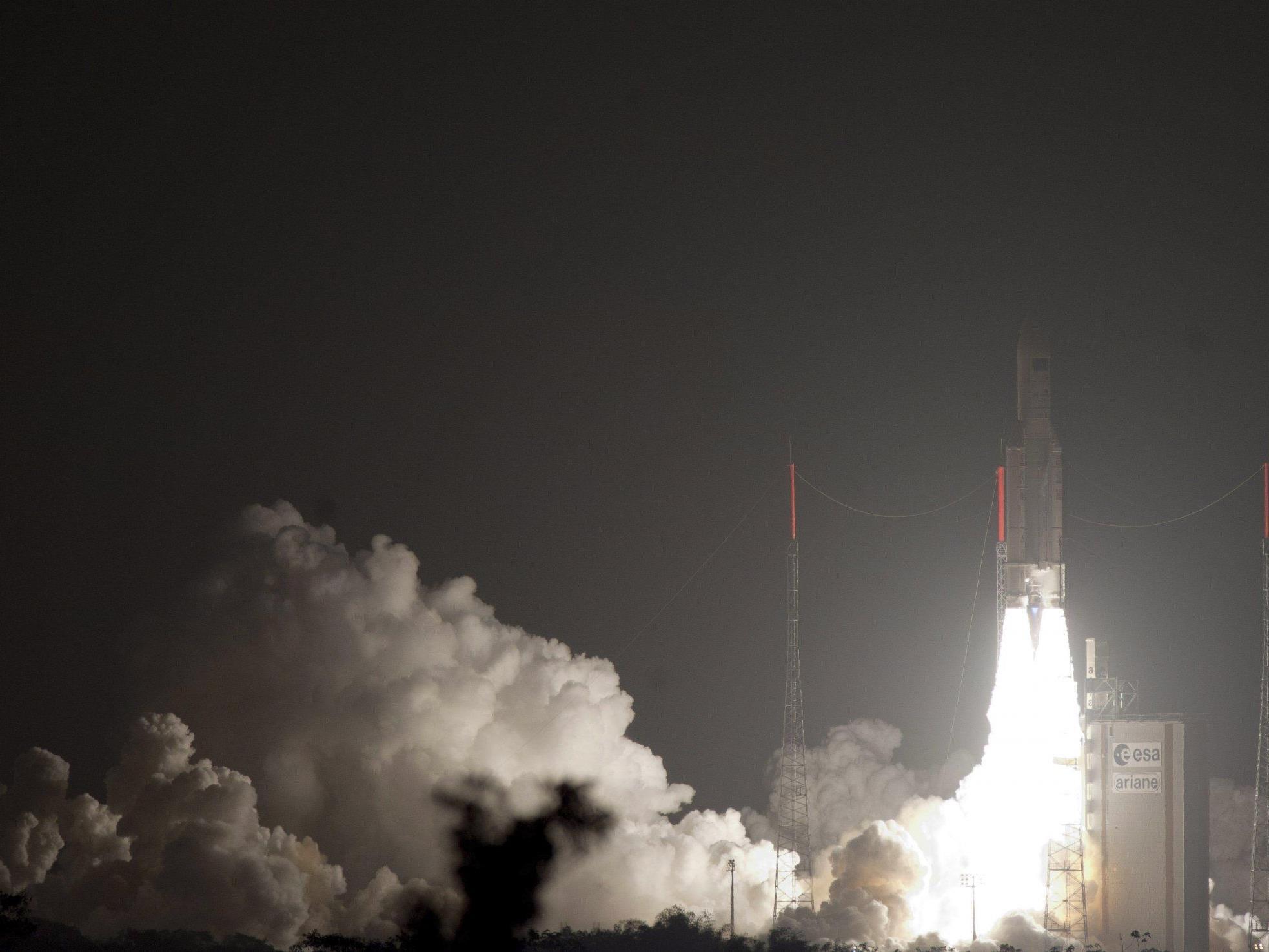 Das unbemannte Versorgungsschiff hob in der Früh an Bord einer Ariane 5-Rakete vom Weltraumbahnhof Kourou in Französisch-Guayana ab.