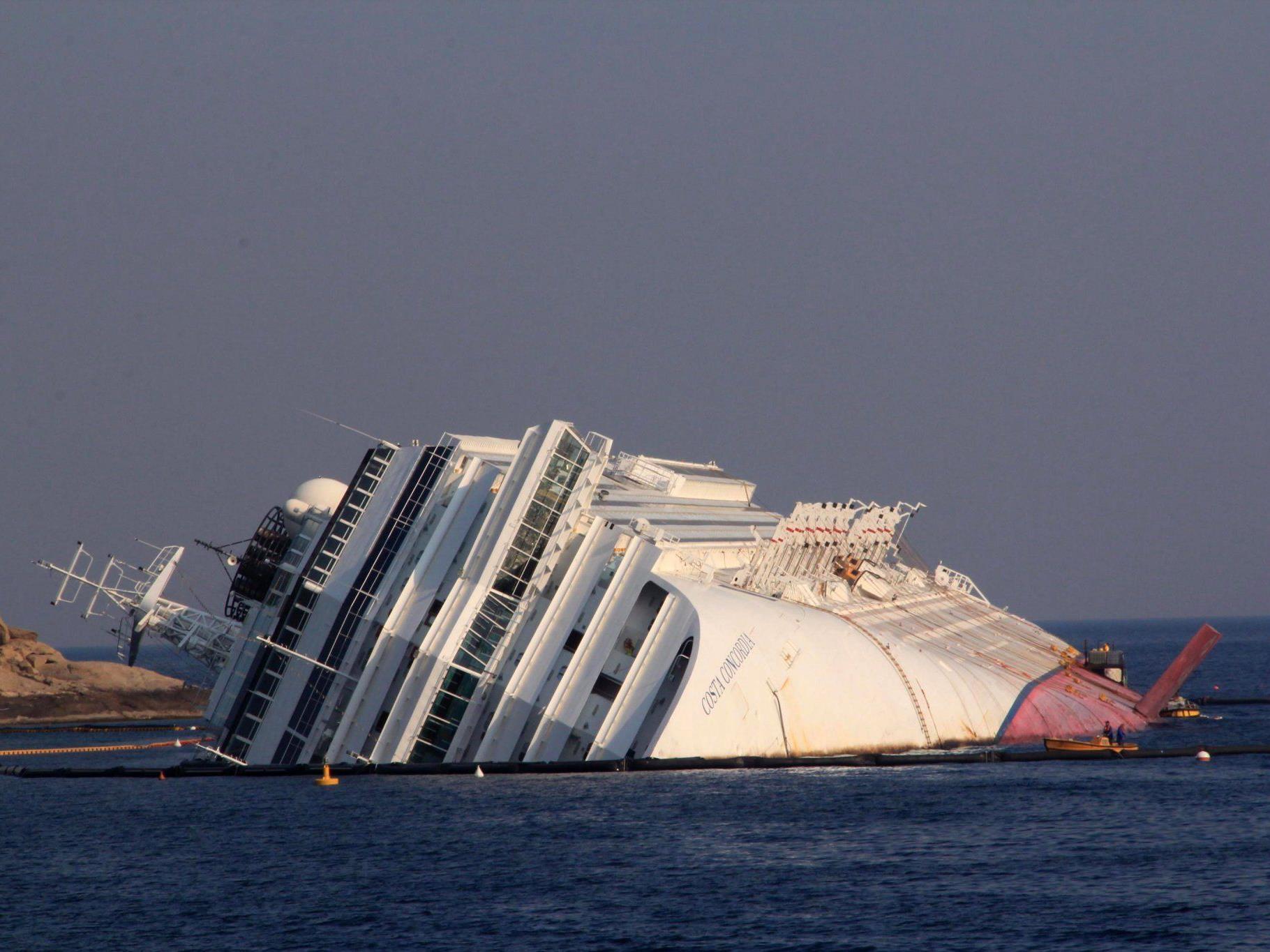 Das havarierte Schiff ist mittlerweile zu einer Touristenattraktion avanciert.