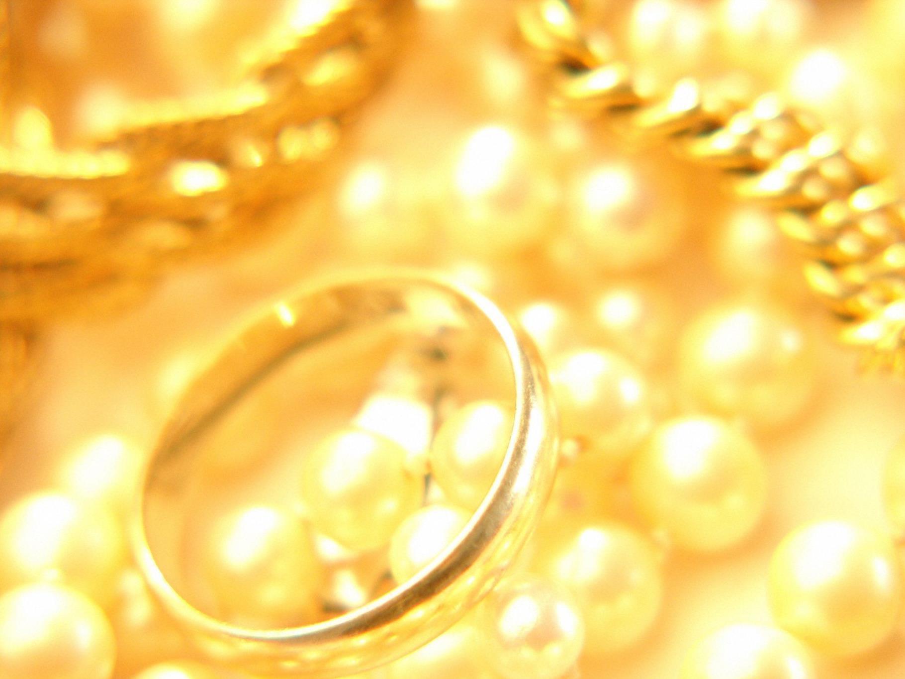 Taxifahrer habe tagelang nach Besitzer des Goldschmuckes gesucht.
