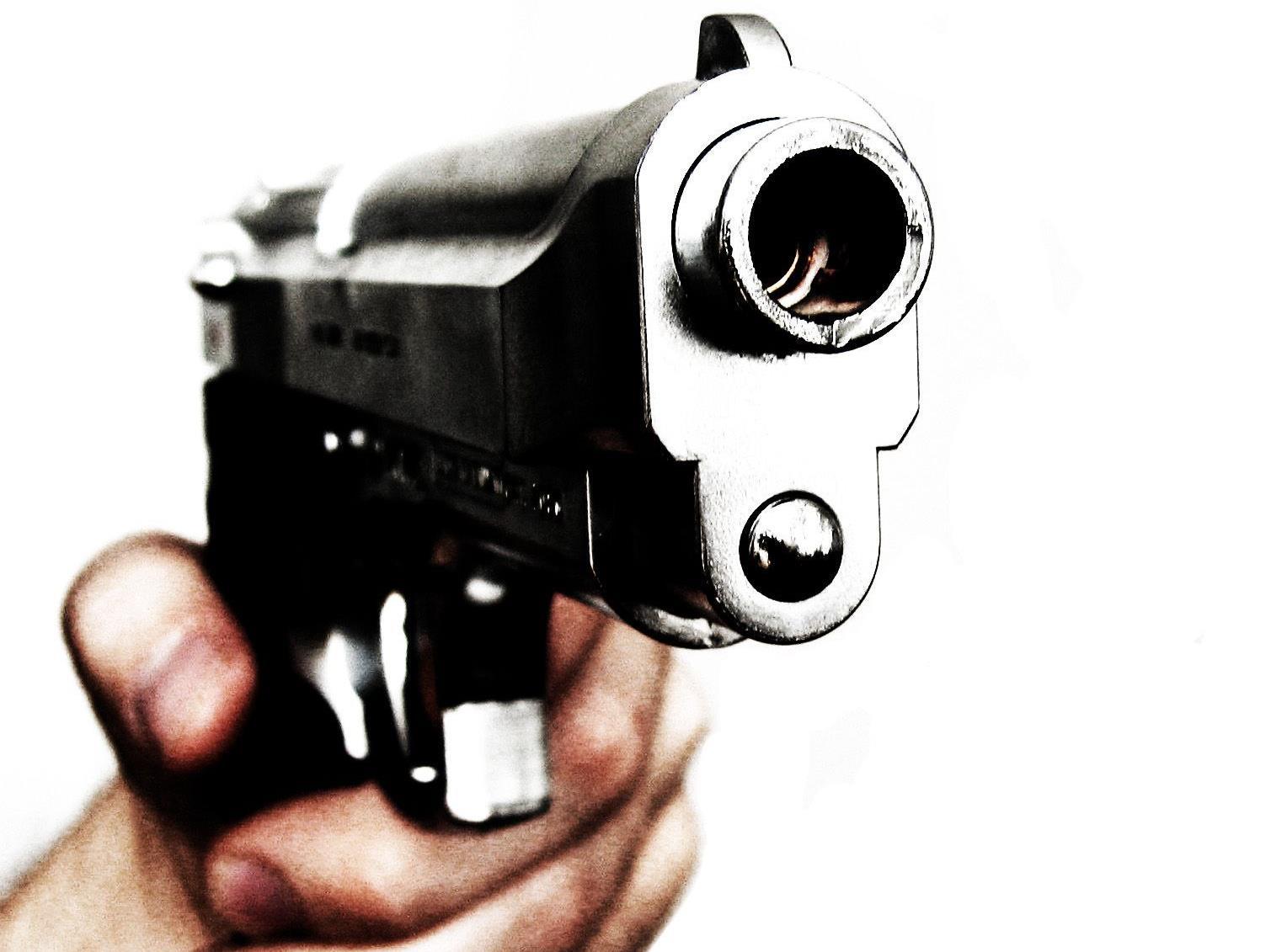 Nach Gesprächen mit der Tochter seien die Ermittler zu dem Schluss gekommen, dass sie geschossen habe.