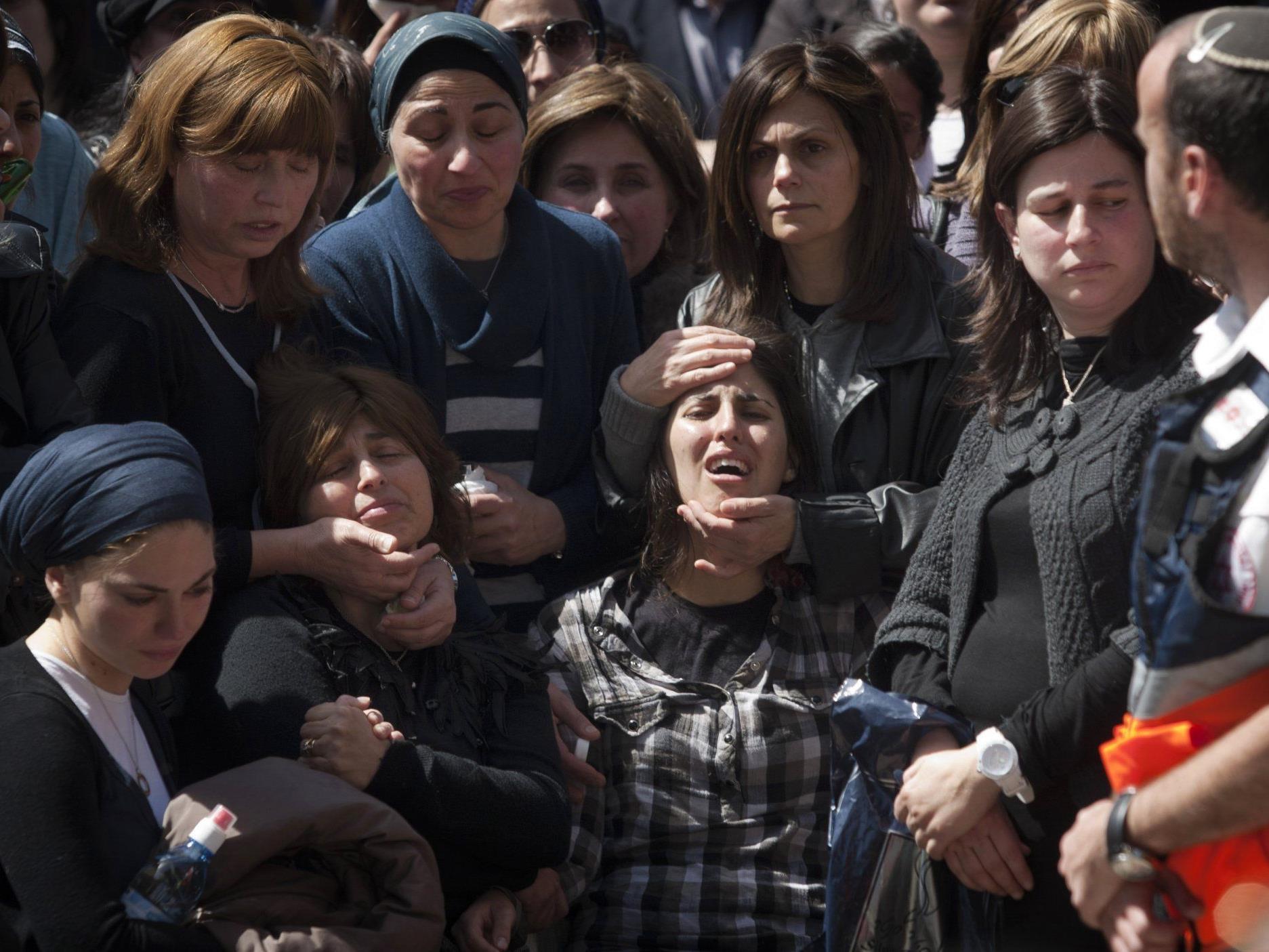Angehörige der getöteten Schüler von Toulouse