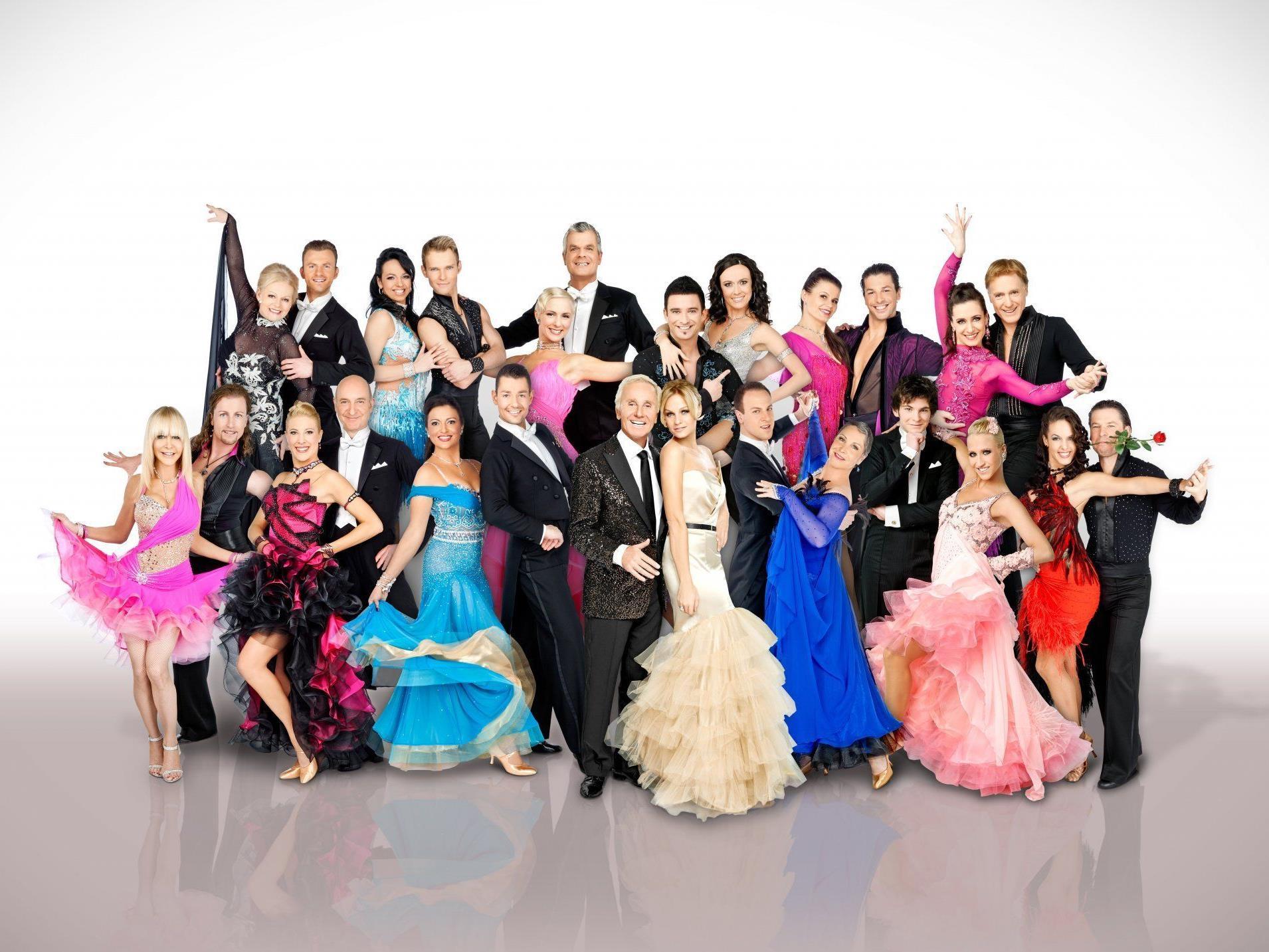 Alle Roben der Dancing Stars auf einen Blick!