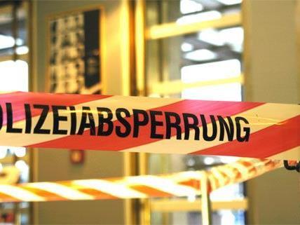 In Wien-Ottakring wurde in einer Wohnung eine stark verweste Leiche eines Mannes gefunden.