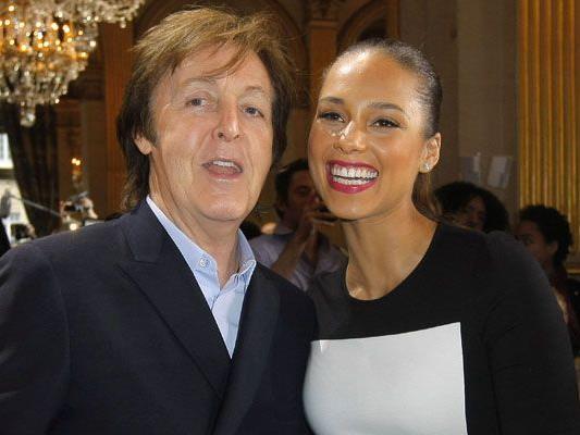 Prominente Gäste bei Stella McCartneys Show: Papa Paul und Alicia Keys.