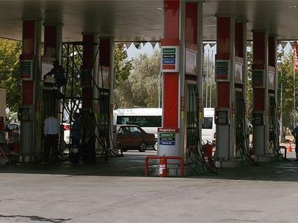 Der Mann soll zwei Tankstellen in Wien ausgeraubt haben.