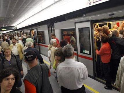 Zahlreiche Passagiere der Wiener Linien wurden Opfer des Automatenbetrugs.