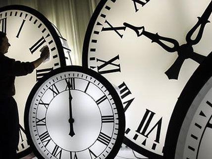 Wir haben wieder Sommerzeit, die Uhren müssen vorgestellt werden.