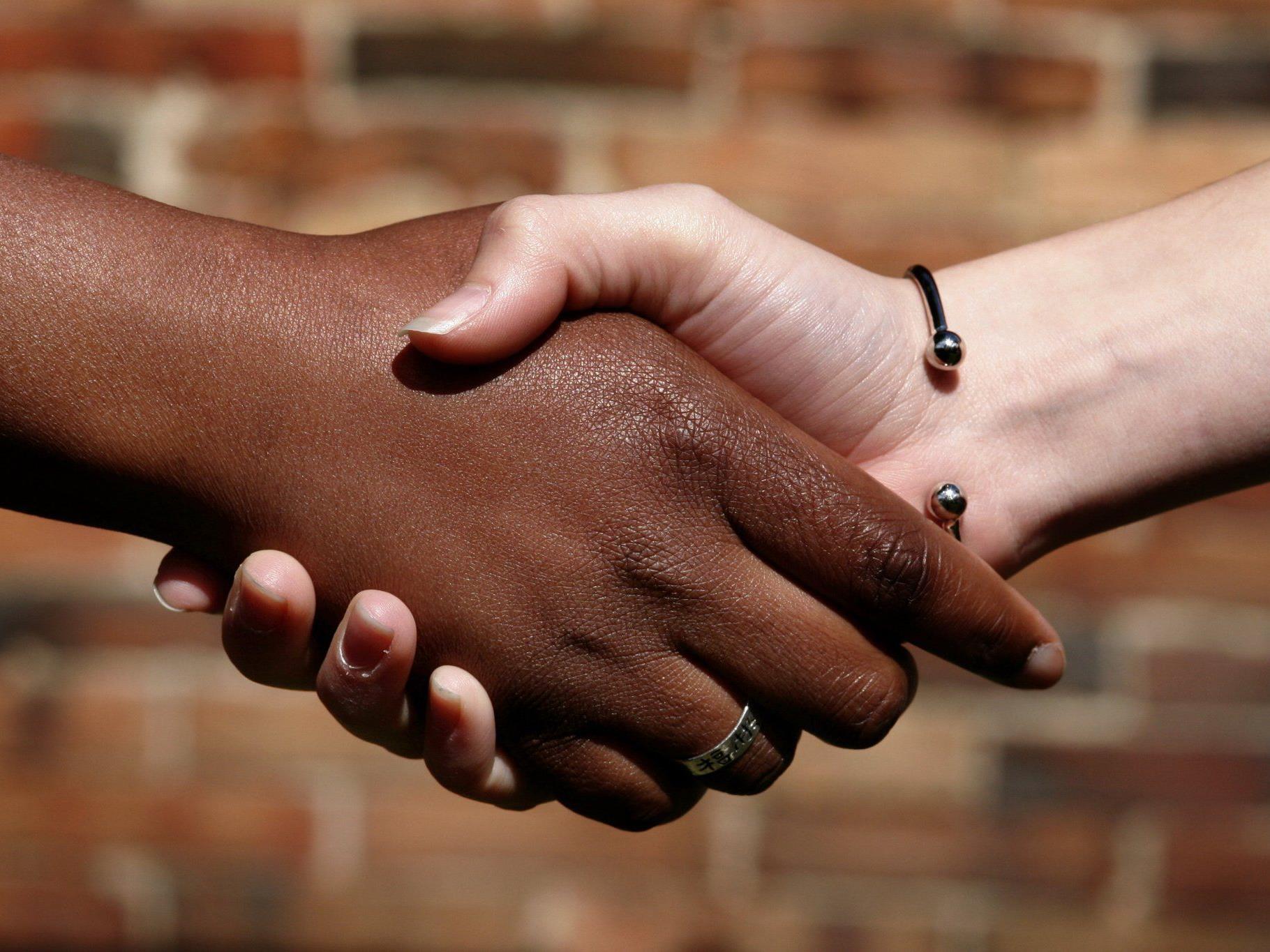 Einen Leitfaden für besseres Zusammenleben veröffentlicht Rudolfsheim-Fünfhaus