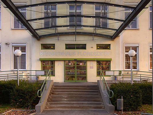 Klappt das Krankenhaus Floridsdorf um 17:00 Uhr die Gehsteige hoch? Die FPÖ behauptet es