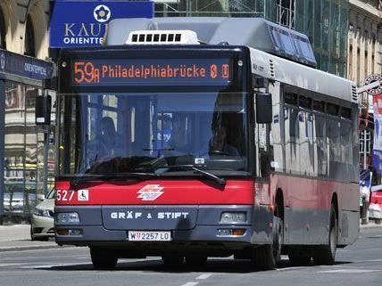 Die Grünen fordern eine Busspur für den 59A auf der Rechten Wienzeile, Autofahrer bliebe somit nur eine Spur.