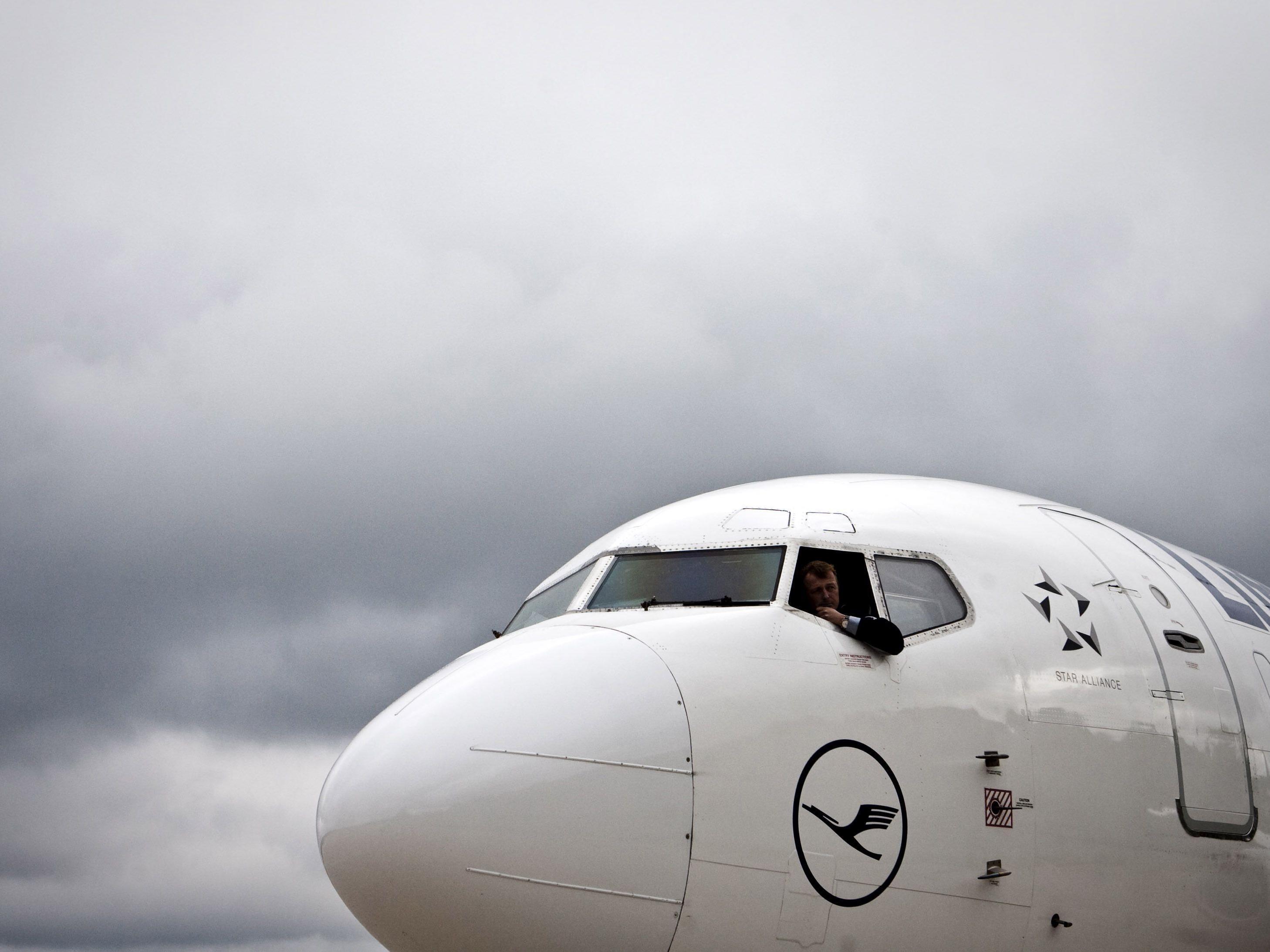 Lufthansa lässt mit Billig-Line und Einsparungen aufhorchen