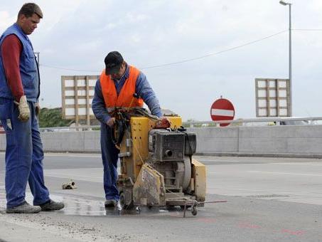 14.400 Baustellen sorgen im Sommer 2012 für Probleme im Verkehr.