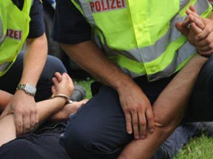 Der Randalierer wurde kurze Zeit später festgenommen.