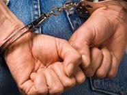 Zwei aufmerksame Passanten hielten zwei Kellereinbrecher fest, bis die Polizei kam.