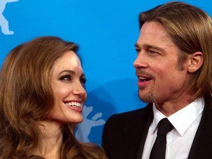 Die Gerüchteküche um Angelina Jolie und Brad Pitt brodelt weiter: Ziehen die beiden nach England?