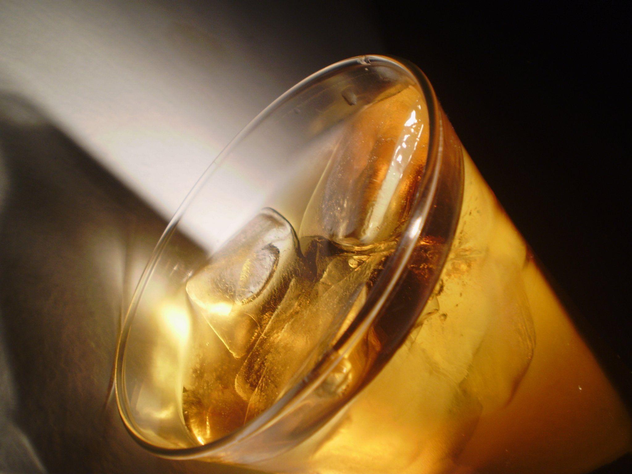 Reiner Apfelsaft wurde im Test auf vier Teelöffel Zucker pro gezeigter Einheit geschätzt, er enthält jedoch das Doppelte.