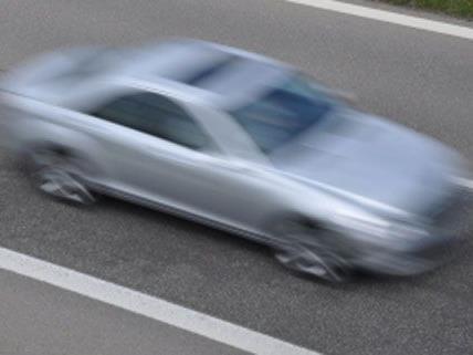 In der Nacht auf Donnerstag wurde ein Lenker am Gürtel mit 125km/h gestoppt.