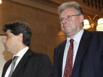 Angeklagten Robert Reiter (rechts) mit seinem Anwalt (links)