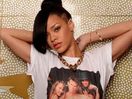 Rihanna liebt Tattoos - je mehr, desto besser.