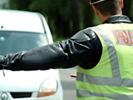 Alexander S. versuchte vergeblich der Verkehrskontrolle zu entkommen, die Polizei folgte ihm.