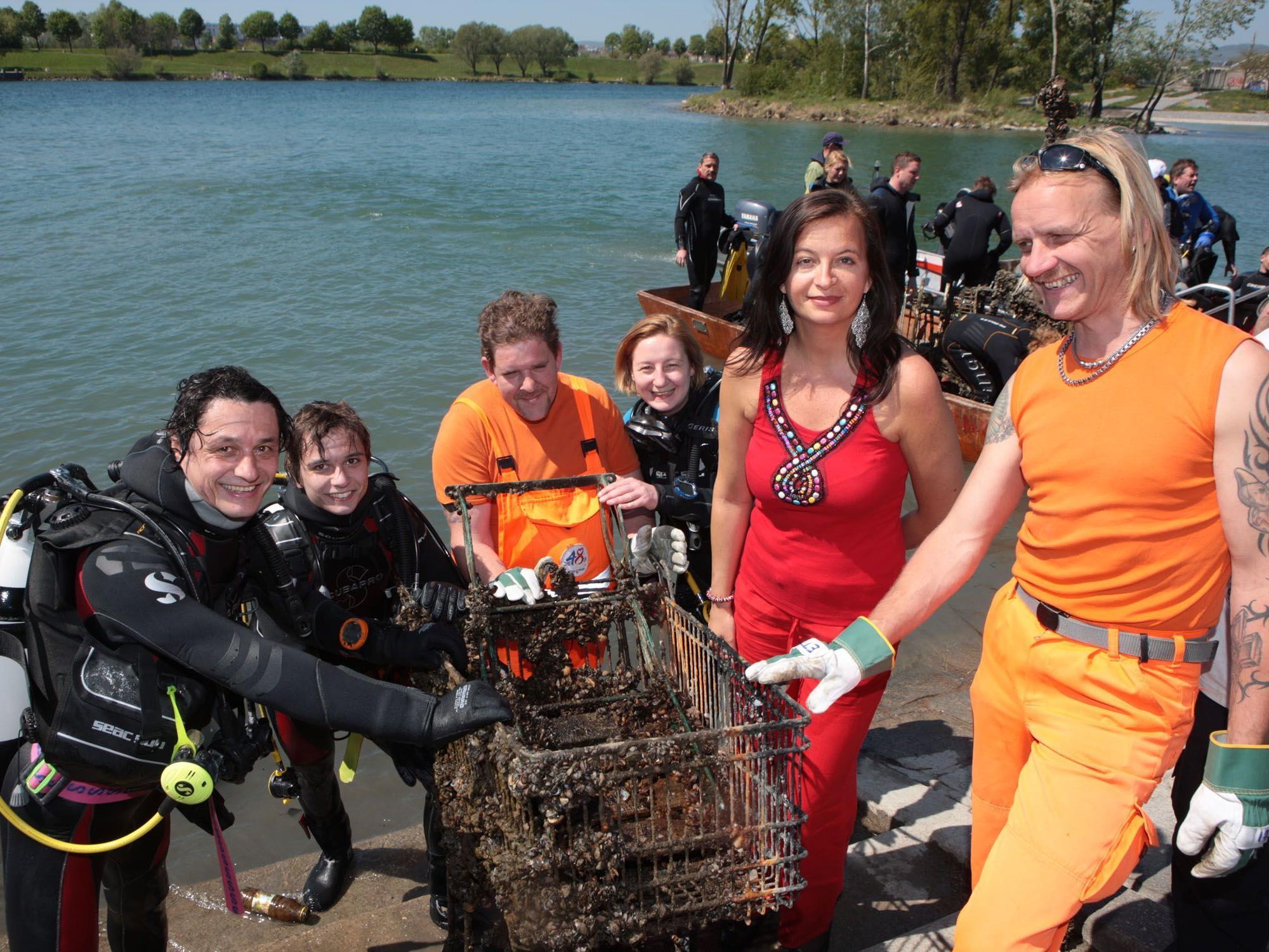 Wien räumt auf - auch unter dem Wasser der Neuen Donau wurde geputzt