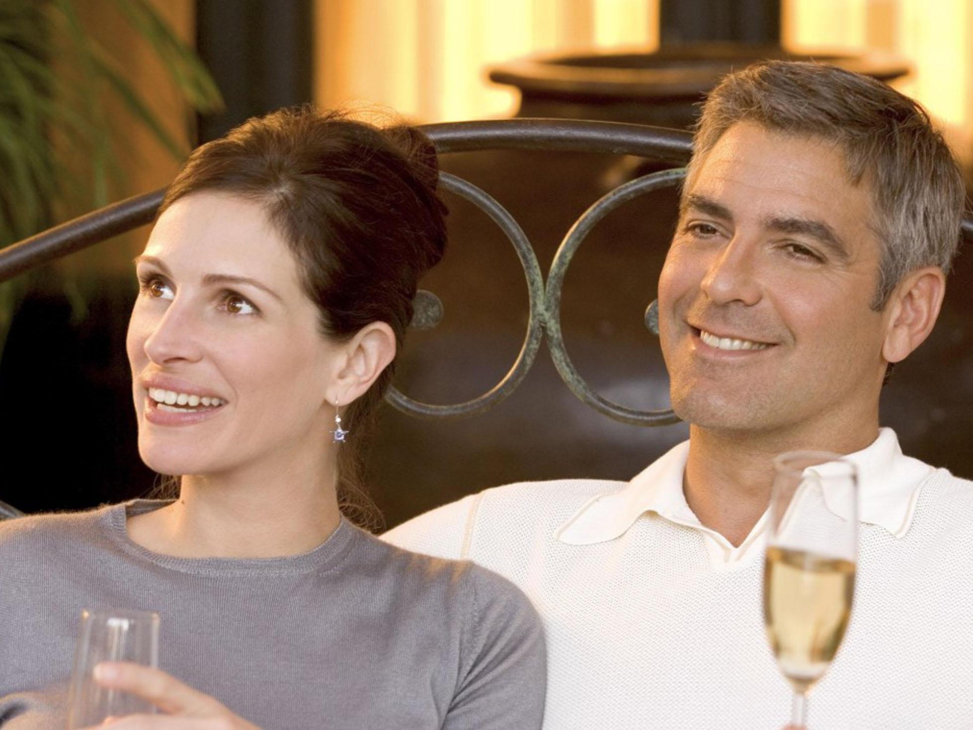 "George Clooney und Julia Roberts in ""Oceans Twelve"""
