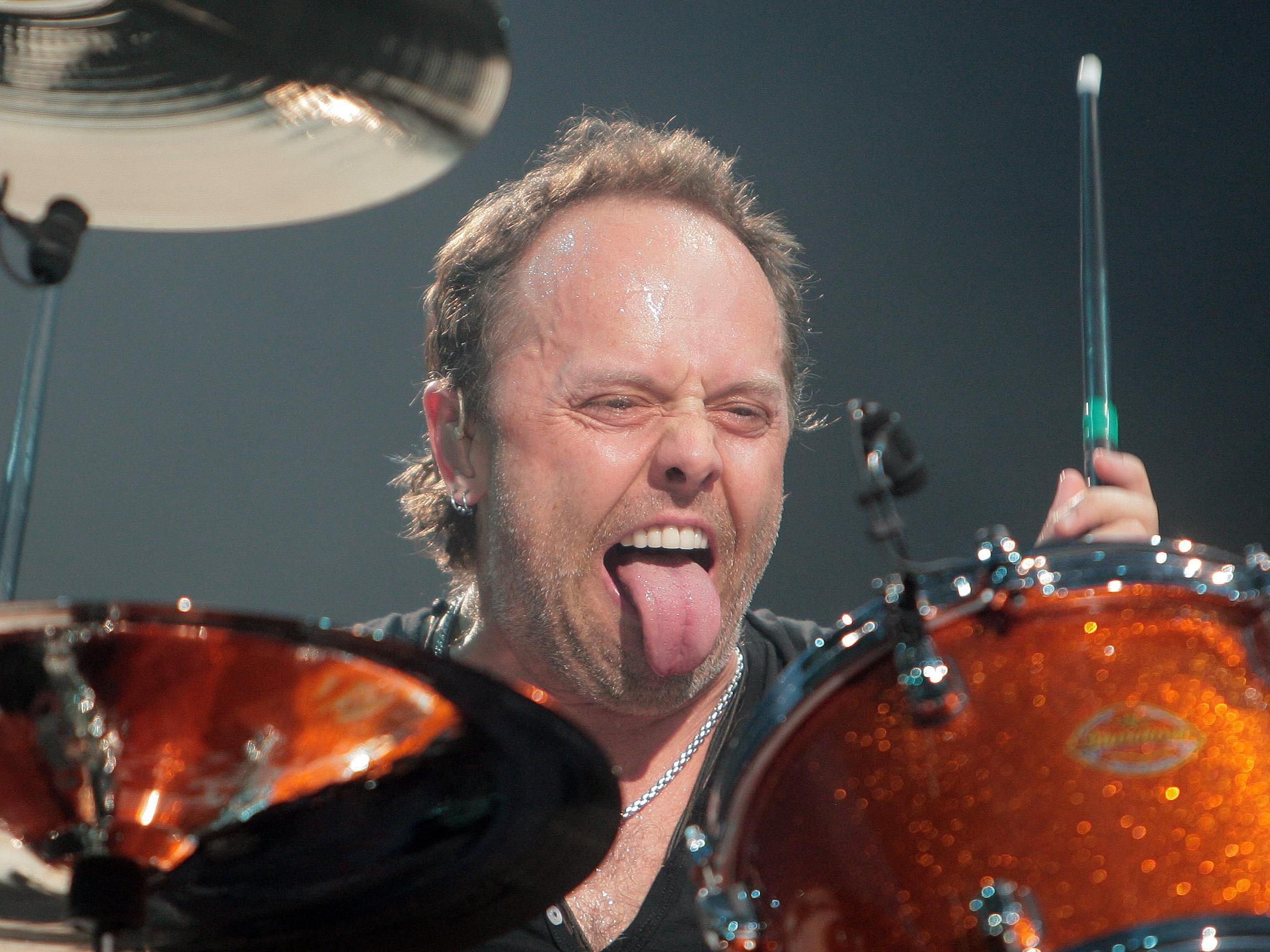 Metallica-Drummer Lars Ulrich in seinem angestammten Metier.