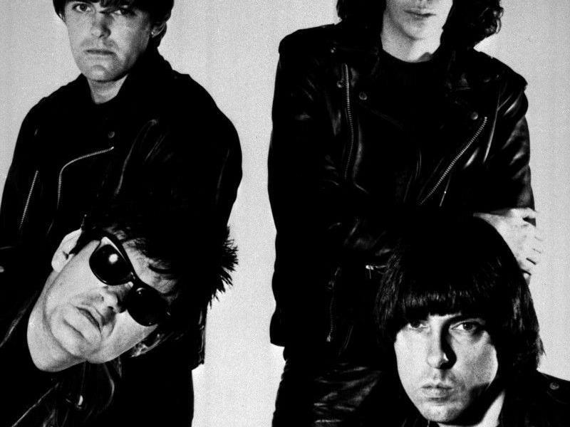 Die Punk-Urgeisteine Richtie (l) und Joey (r) Ramone