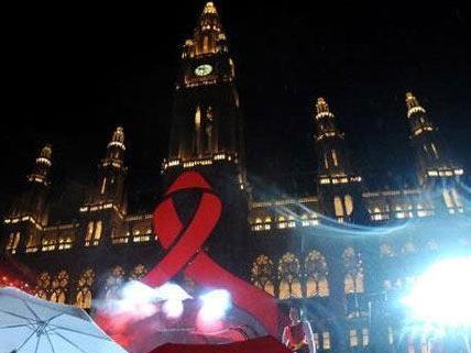Ein Symbol, eine Mission: Der Life Ball ist dem weltweiten Kampf gegen AIDS gewidmet.