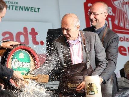 Dieser Bieranstich hatte es in sich: Der Wiener Kirtag ist eröffnet.