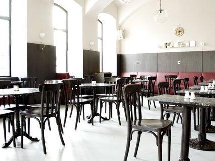 Beide Seiten bleiben bei ihrer Position: Das Cafe Drechsler hält fest an der angekündigten Sommersperre, der Bezirk am Nein zum größeren Gastgarten.
