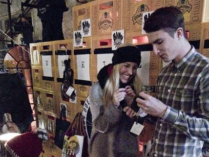 120 Künstler und Desigern sind beim Fesch'Markt in der Ottakringer Brauerei dabei.