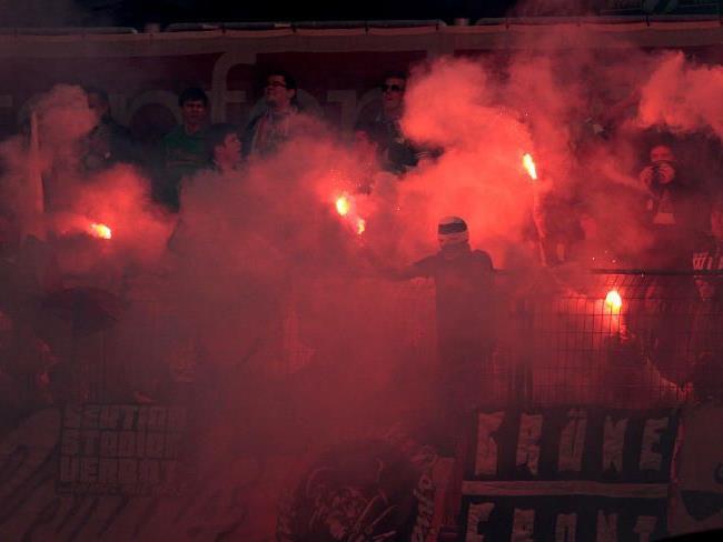 Zu viel bengalische Feuer: Eine Festnahme im Hanappi-Stadion bei Rapid gegen Wacker Innsbruck