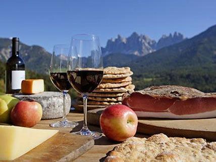 Schmankerln aus allen österreichischen Regionen können beim Genussfestival verkostet und gekauft werden.