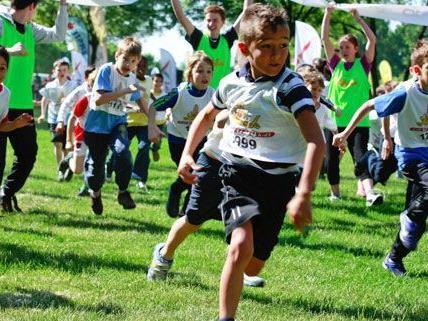 """In ganz Wien laufen Schüler bei """"kidsrun4kids"""" für den guten Zweck."""