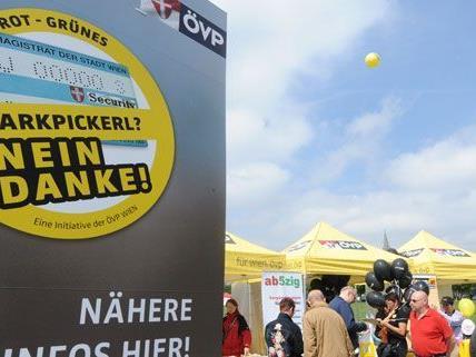 Neben der ÖVP sammelt jetzt auch die FPÖ Unterschriften gegen das Parkpickerl.