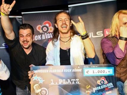 Die strahlenden Sieger freuen sich auf ihren Auftritt beim Donauinselfest 2012.