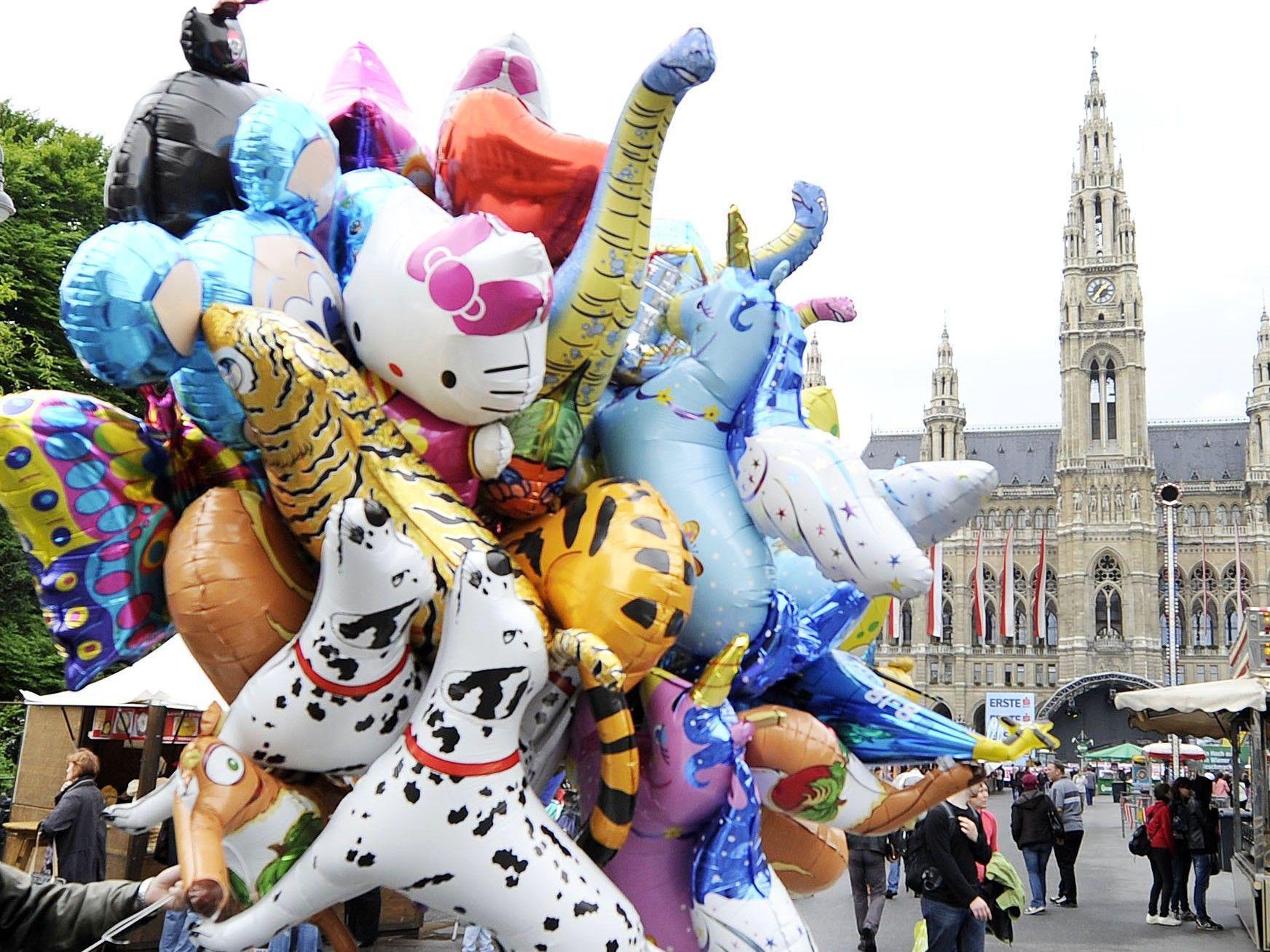 Zahlreiche Highlights warten am Wiener Kirtag 2012. Mit dabei: die EAV.