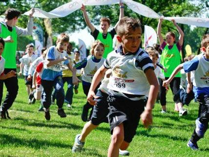 """Beim Spendenlauf """"kidsrun4kids"""" gab es dieses Jahr einen neuen Rekord."""