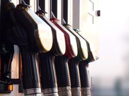 Am Samstagabend versuchte ein Unbekannter eine Tankstelle in Wien-Liesing auszurauben.