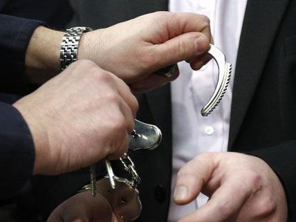 In Niederösterreich wurde ein Mann verhaltet, der seinen 3-jährigen Sohn sexuell missbraucht haben soll