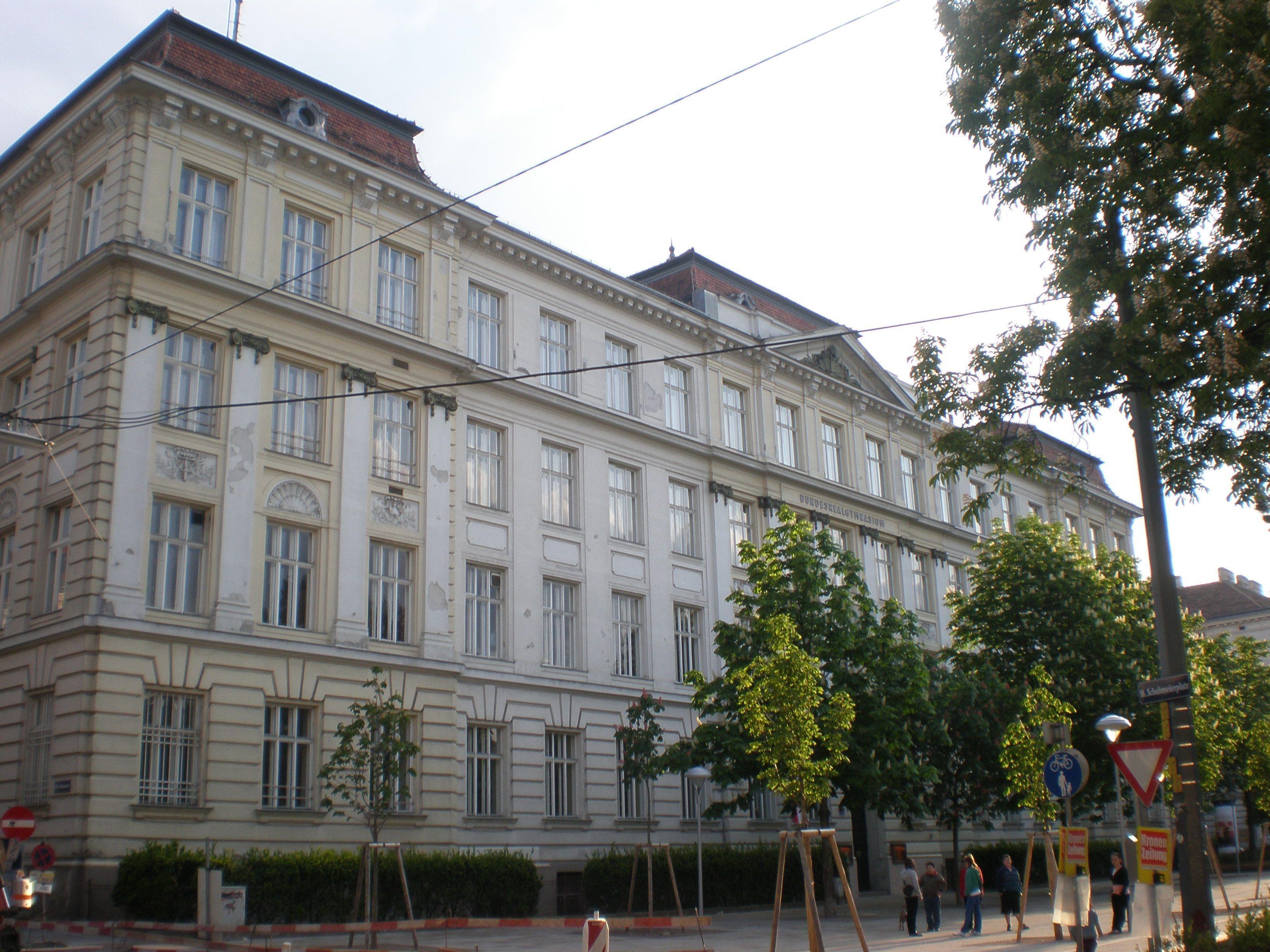 Das Gymnasium an Schuhmeierplatz in Ottakring wird umgebaut