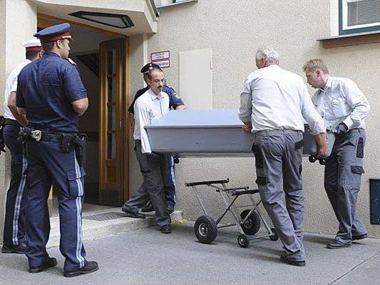 Die beiden Opfer von dem Doppelmord in Meidling sind nach jüngsten Angaben erstochen worden