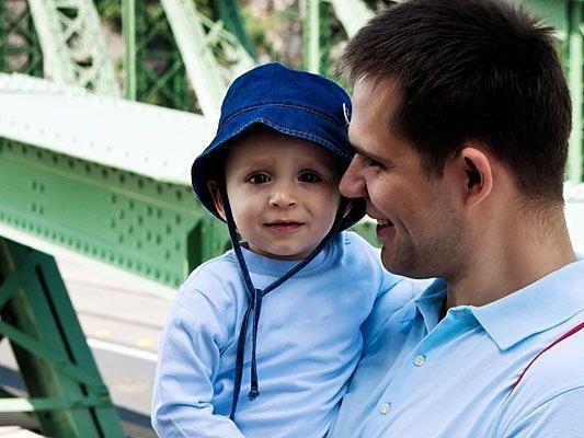 Alle Herren dürfen sich am Freitag auf besondere Specials zum Vatertag in der Therme Wien freuen