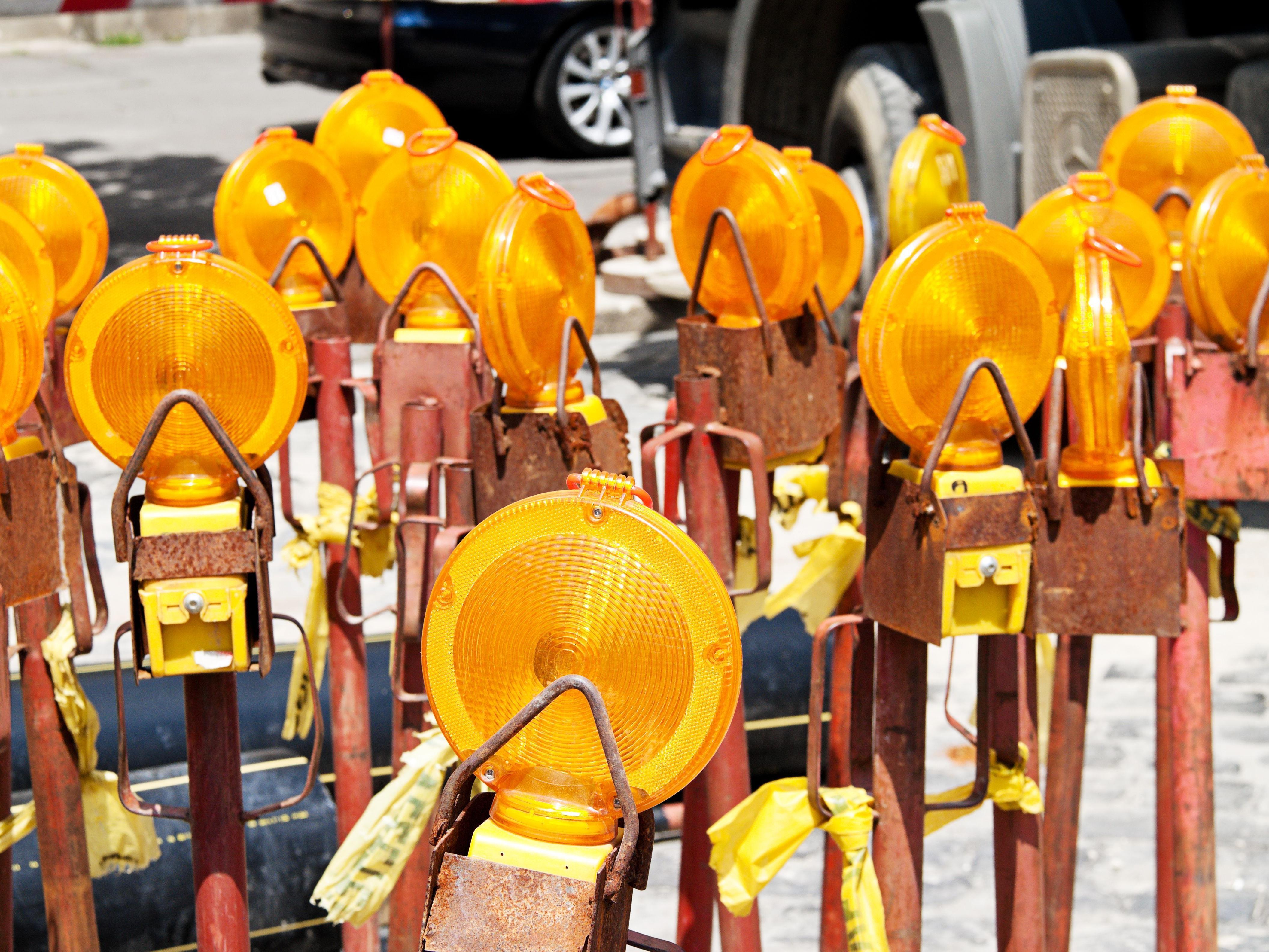 Am Gürtel spielen die Wiener im Sommer Baustellenslalom